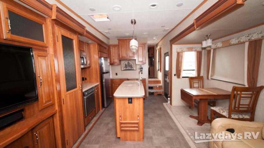 2015 Redwood RV Sequoia 38HRL