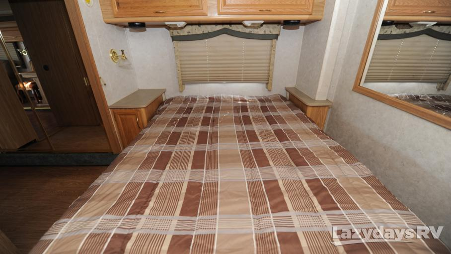 2002 Fleetwood RV Bounder 33R
