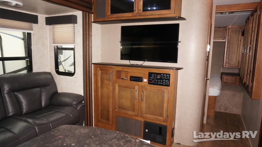 2015 Keystone RV Carbon  33