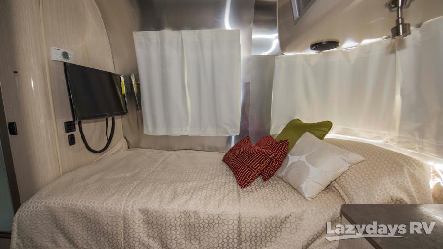2018 Airstream International Serenity 25RB Twin