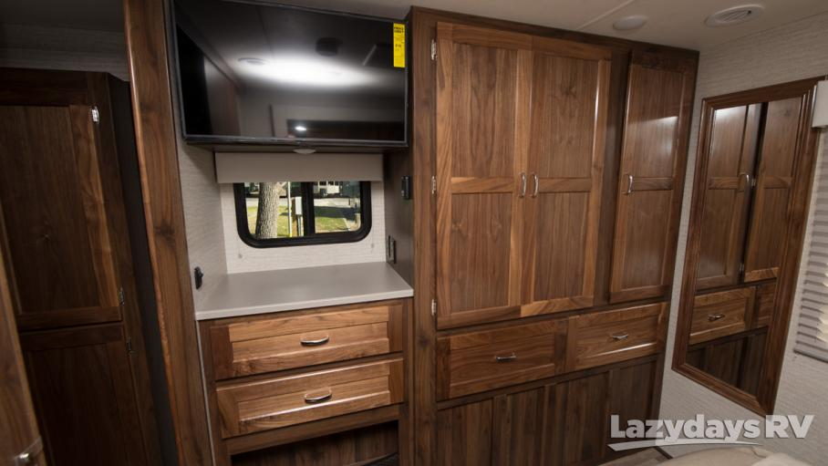 2020 Winnebago Intent 28Y