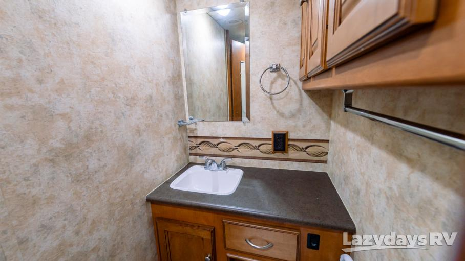 2012 Winnebago Vista LX 26P