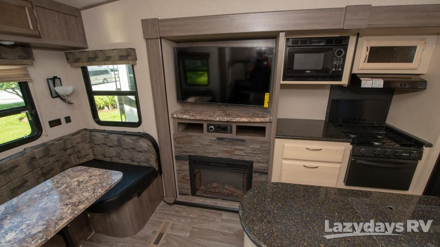 2019 Winnebago Minnie Plus 27RLTS