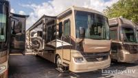 2017 Fleetwood RV Pace Arrow LXE