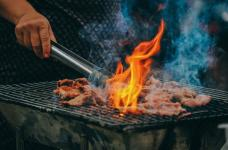 Getting Ready for Grilling Season: What Kind of Grill Should I Buy for My RV?