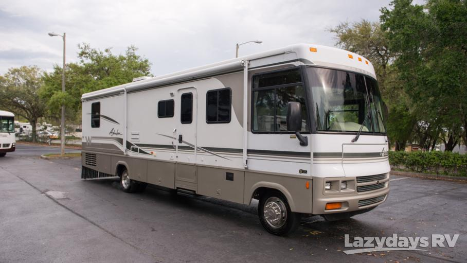 2002 Winnebago Adventurer 35U