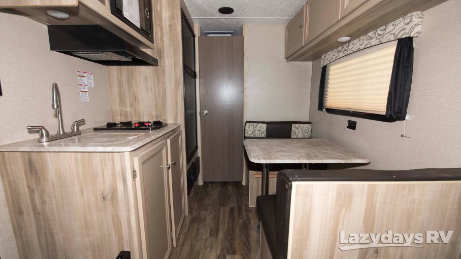 2019 Coachmen Catalina Summit Series 172FQ