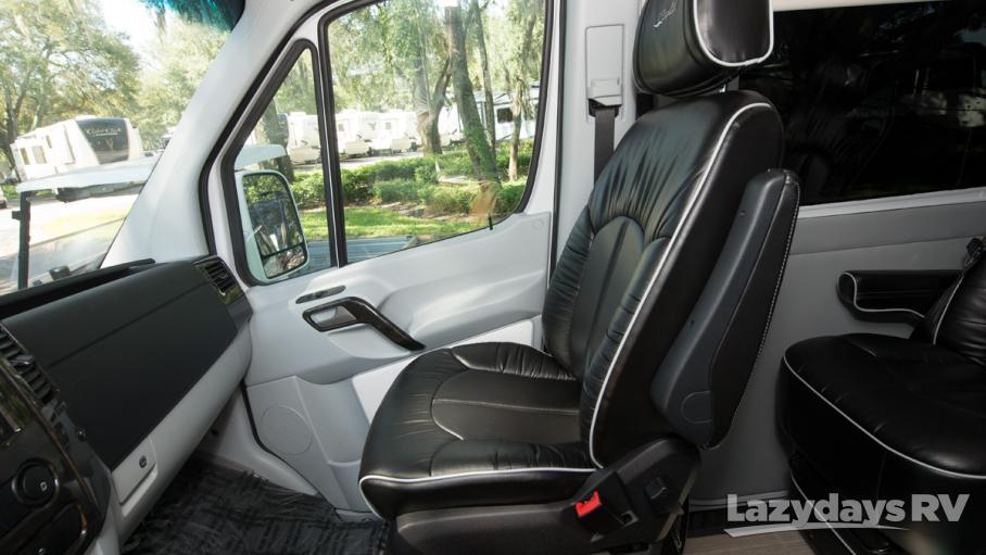 2019 Dolphin Motor Coach CapeCod 170E