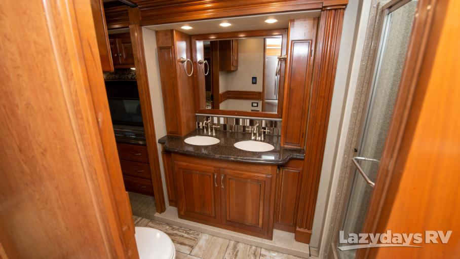 2017 Fleetwood RV Discovery LXE 39F