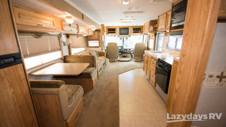 2005 Fleetwood RV Bounder 35E