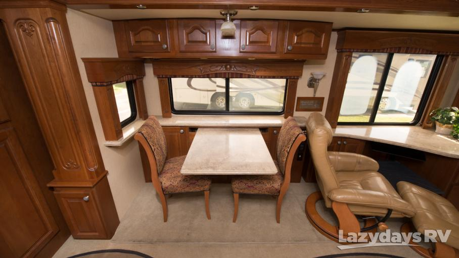 2008 Country Coach Magna 45 REMBRANDT S4