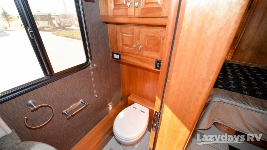 2009 Country Coach Magna 45 Donatello