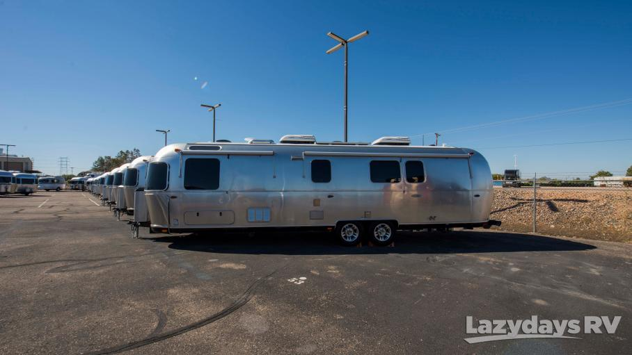 2019 Airstream Classic 33FB Twin