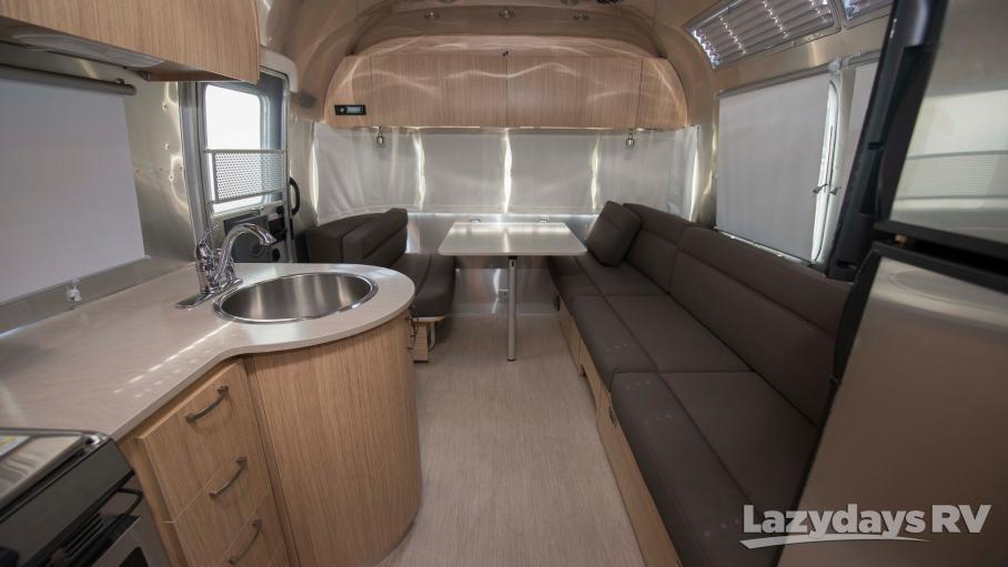 2019 Airstream Flying Cloud 25FBQ
