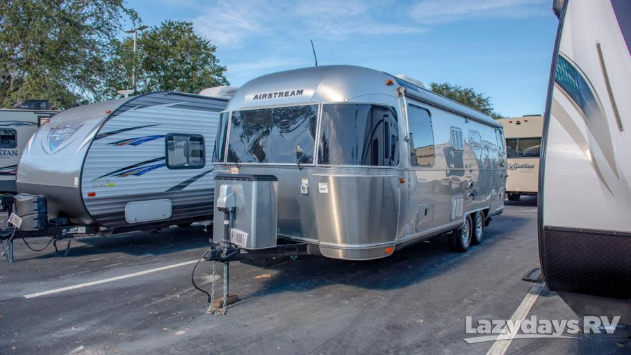 2017 Airstream Flying Cloud 25 Twin