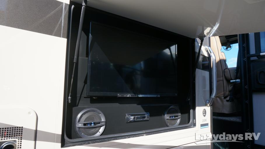 2014 Fleetwood RV Bounder 35K