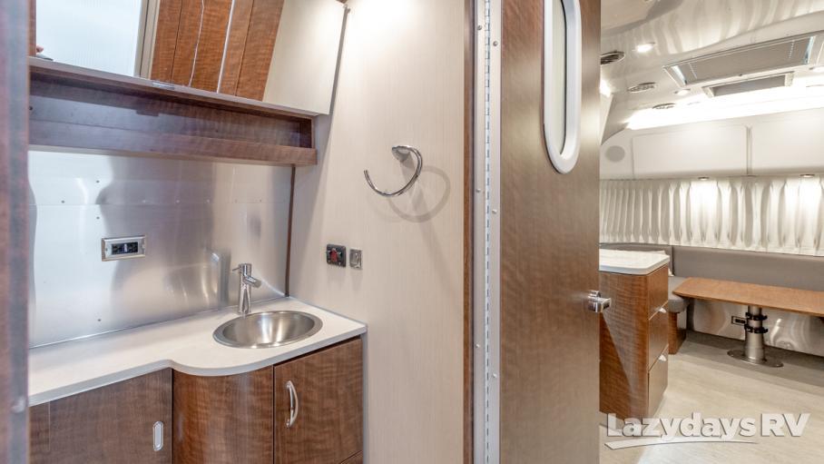 2018 Airstream Globetrotter 27FB