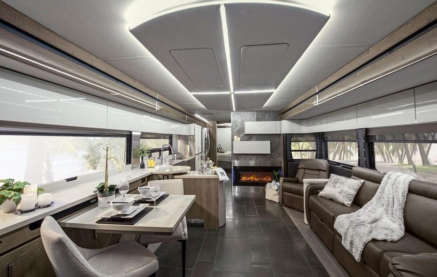 Luxury Motorhomes Lazydays Rv Crown Club