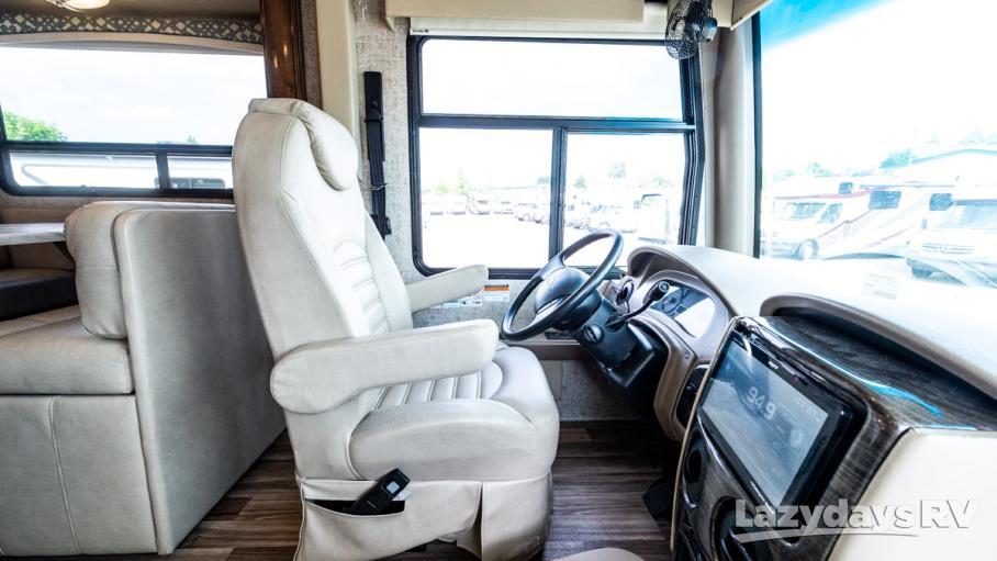2019 Thor Motor Coach Miramar 37.1