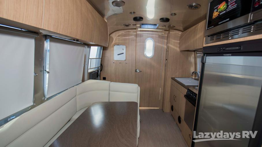 2019 Airstream Flying Cloud 23FB