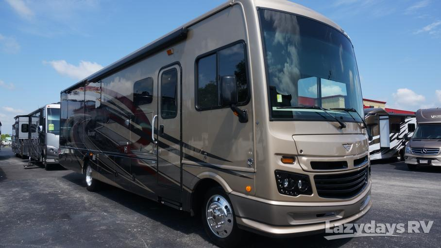 2018 Fleetwood RV Bounder Classic