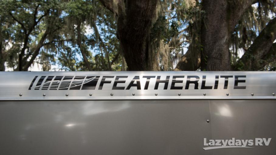 2016 Featherlite Non Living Quarters 9409