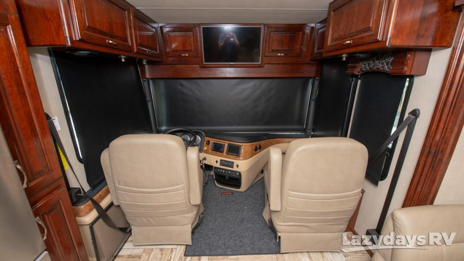 2017 Fleetwood RV Discovery LXE 40G