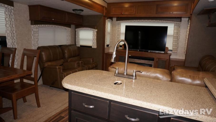 2017 Highland Ridge RV Roamer  347RES