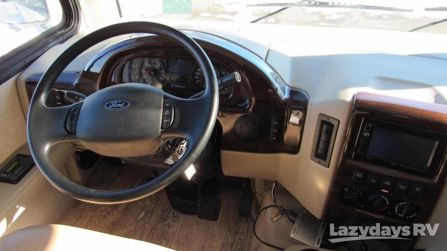 2017 Thor Motor Coach Hurricane M29