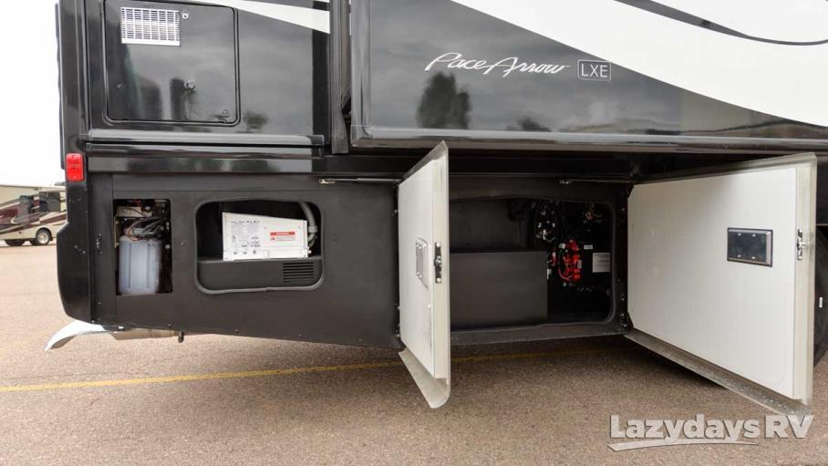 2017 Fleetwood RV Pace Arrow LXE 38B