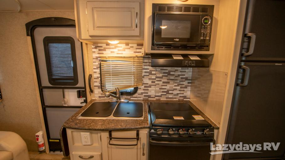 2016 Winnebago Micro Minnie 2106DS