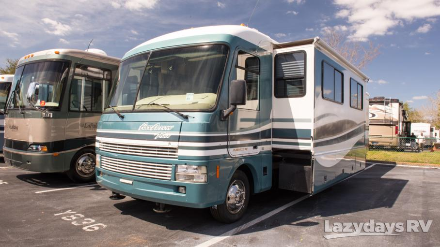 2000 Fleetwood RV Pace Arrow Vision 36B