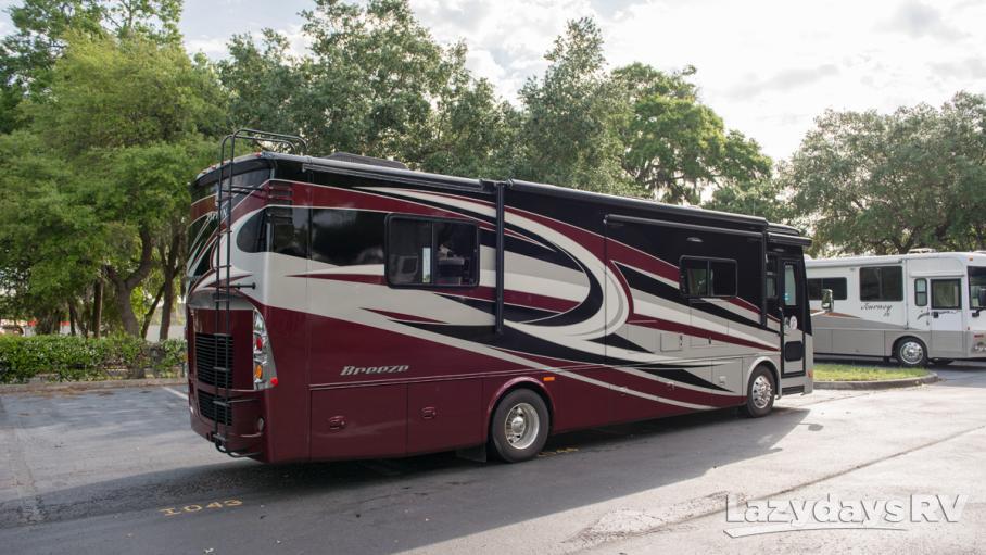 2016 Tiffin Motorhomes Breeze 32BR