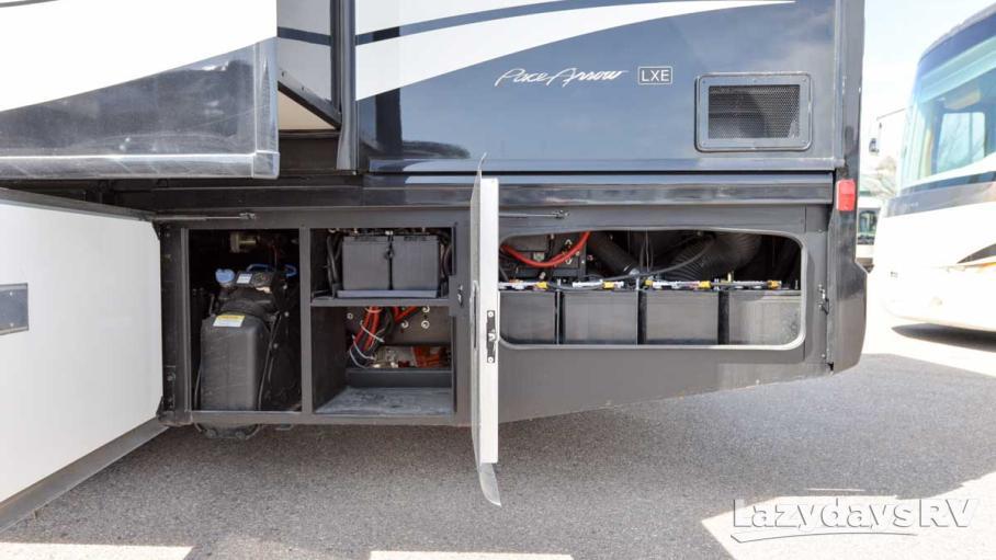 2016 Fleetwood RV Pace Arrow LXE 38K