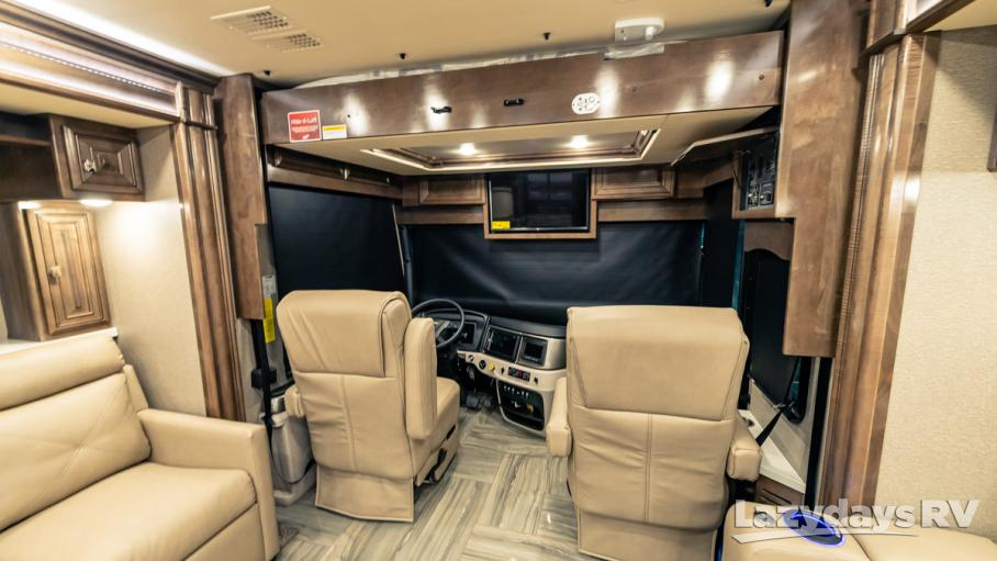 2020 Fleetwood RV Discovery LXE 40M