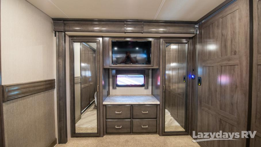 2020 Fleetwood RV Pace Arrow LXE 38K