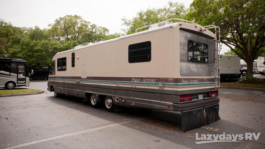 1990 Fleetwood RV Pace Arrow 34L,