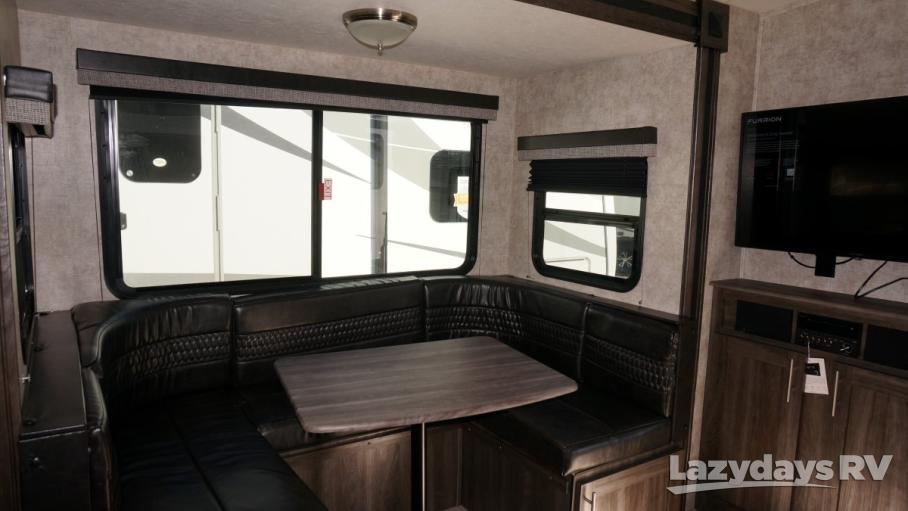 2018 Highland Ridge RV Ultra Lite 2410RL