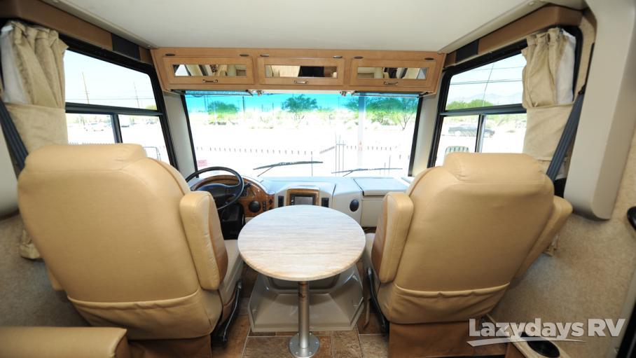 2016 Thor Motor Coach Hurricane 27K