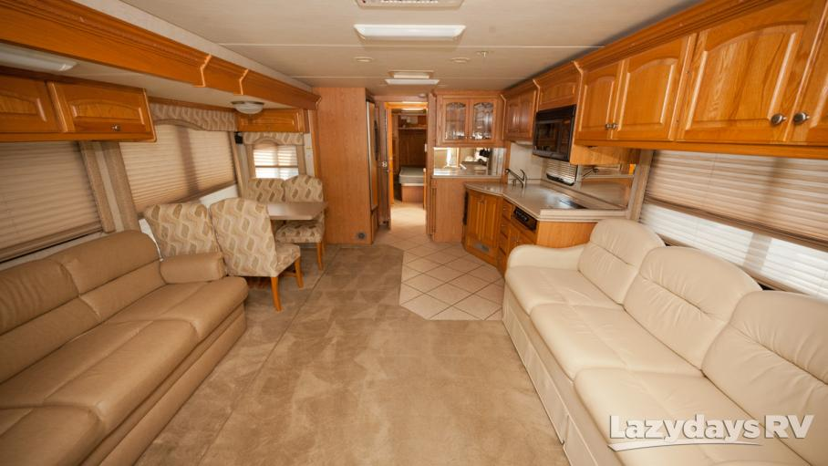 2005 Four Winds Mandalay 40F