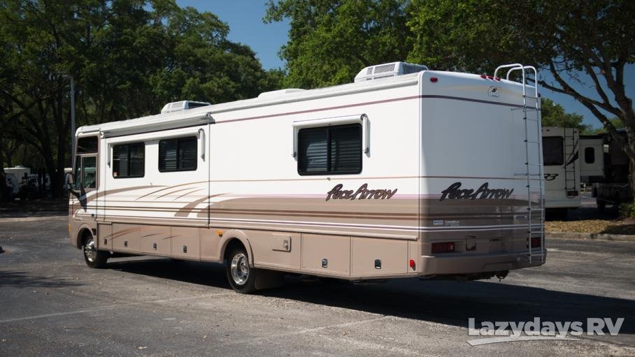 2000 Fleetwood RV Pace Arrow 37S