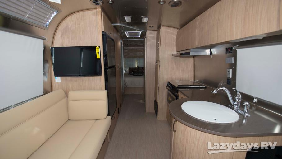 2019 Airstream Flying Cloud 27FB