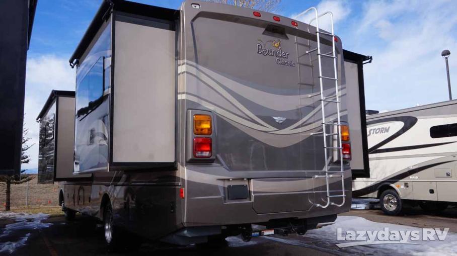 2015 Fleetwood RV Bounder Classic 34B