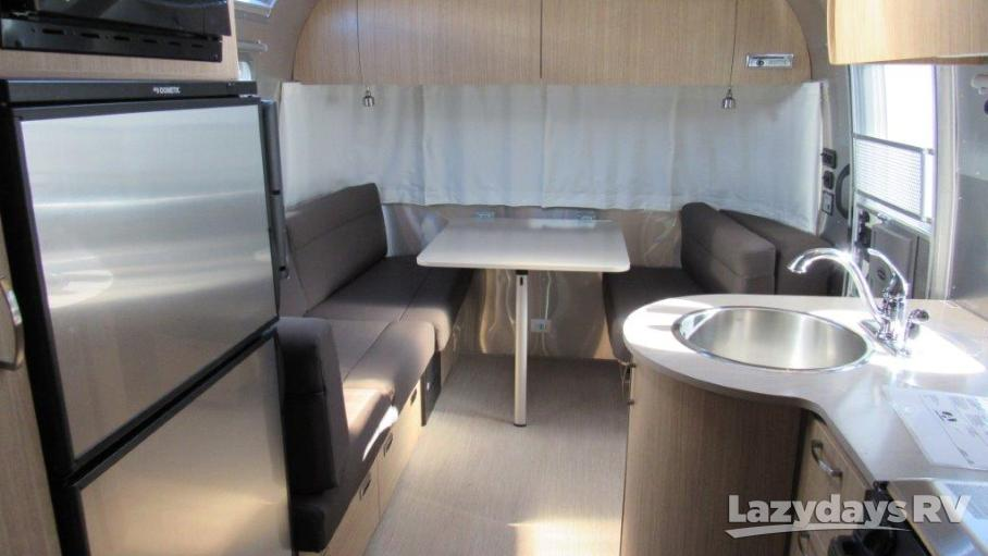 2019 Airstream Flying Cloud 25RB Twin