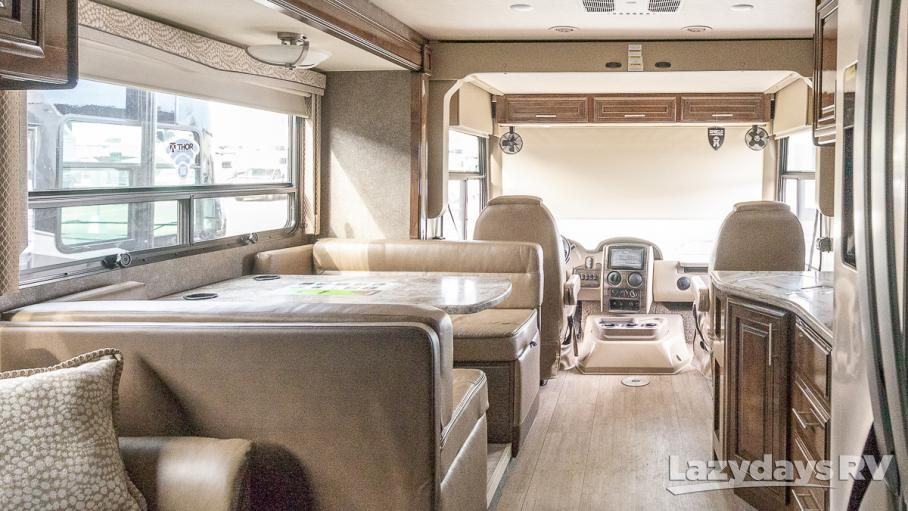 2019 Thor Motor Coach Challenger 37TB