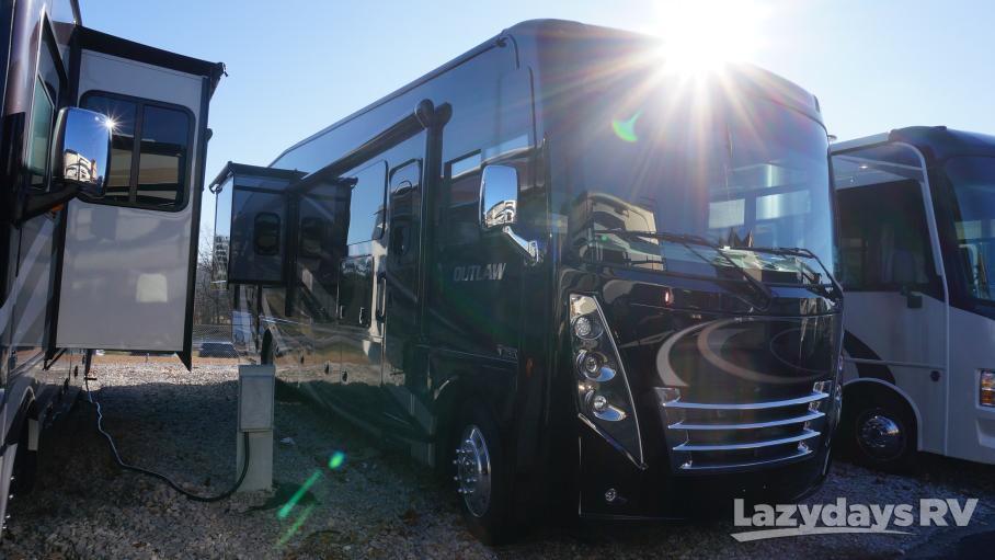 2020 Thor Motor Coach Outlaw
