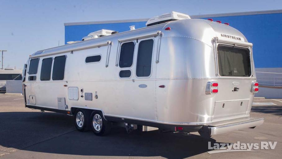 2016 Airstream Flying Cloud 30RB